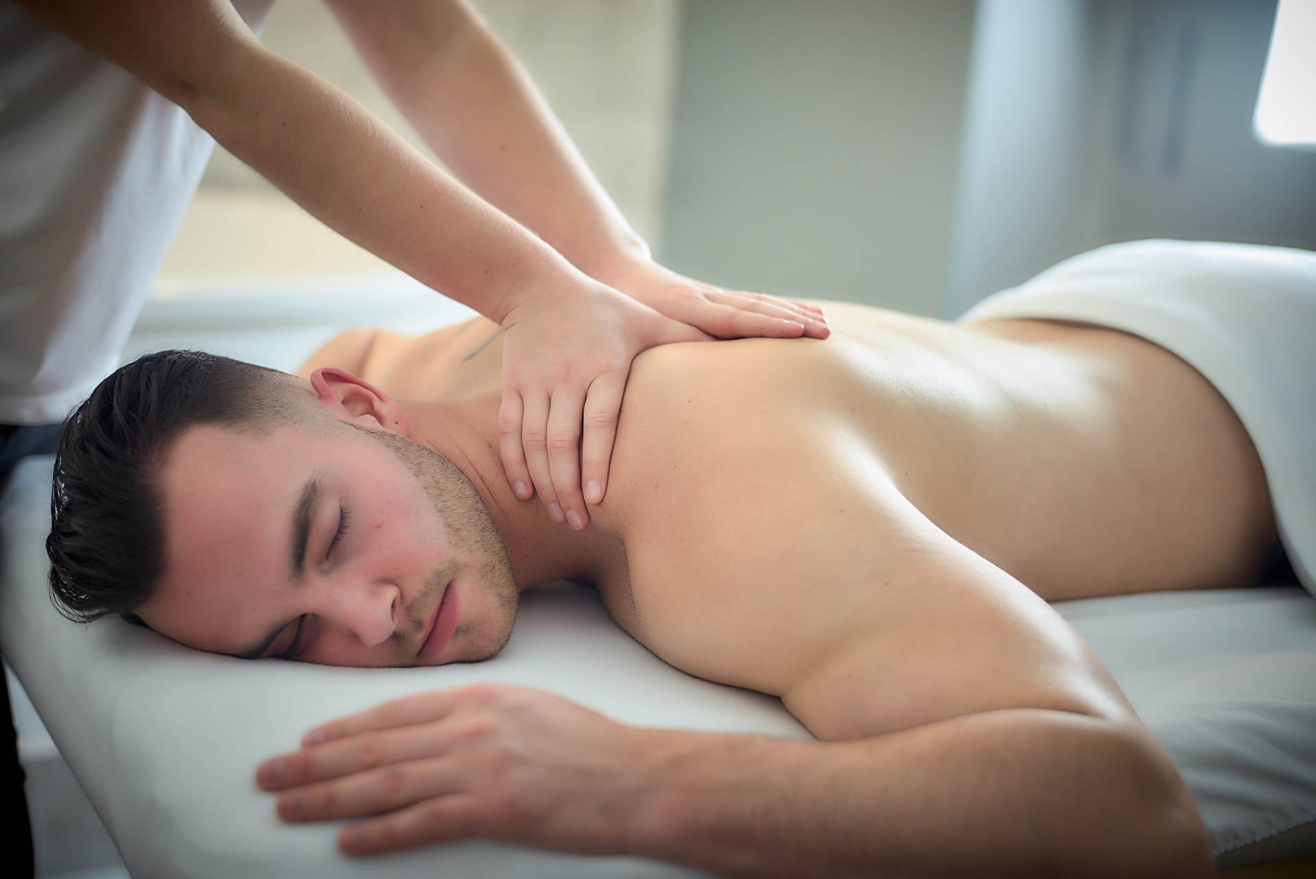 Swedish massage vs. therapeutic massage: what differences?