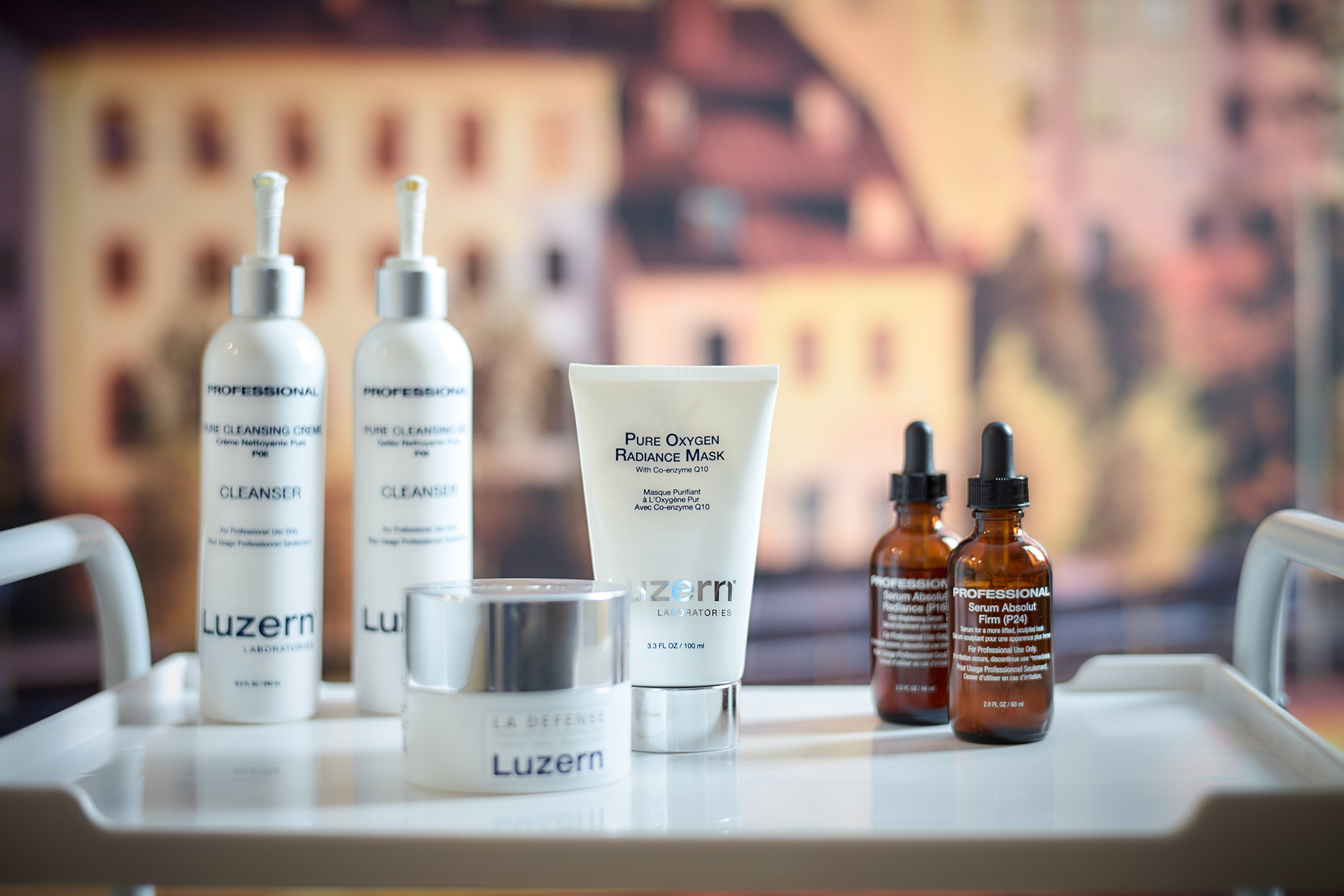 An exceptional facial care treatment that plumps up the skin and relaxes the body